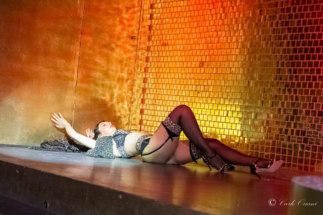 burlesque_dance